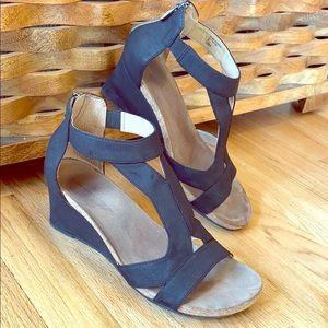 ADRIENNE VITTADINI Black Sandals